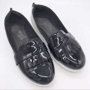 FITFLOP Black Patent Fringey Sneakerloafers 8.5
